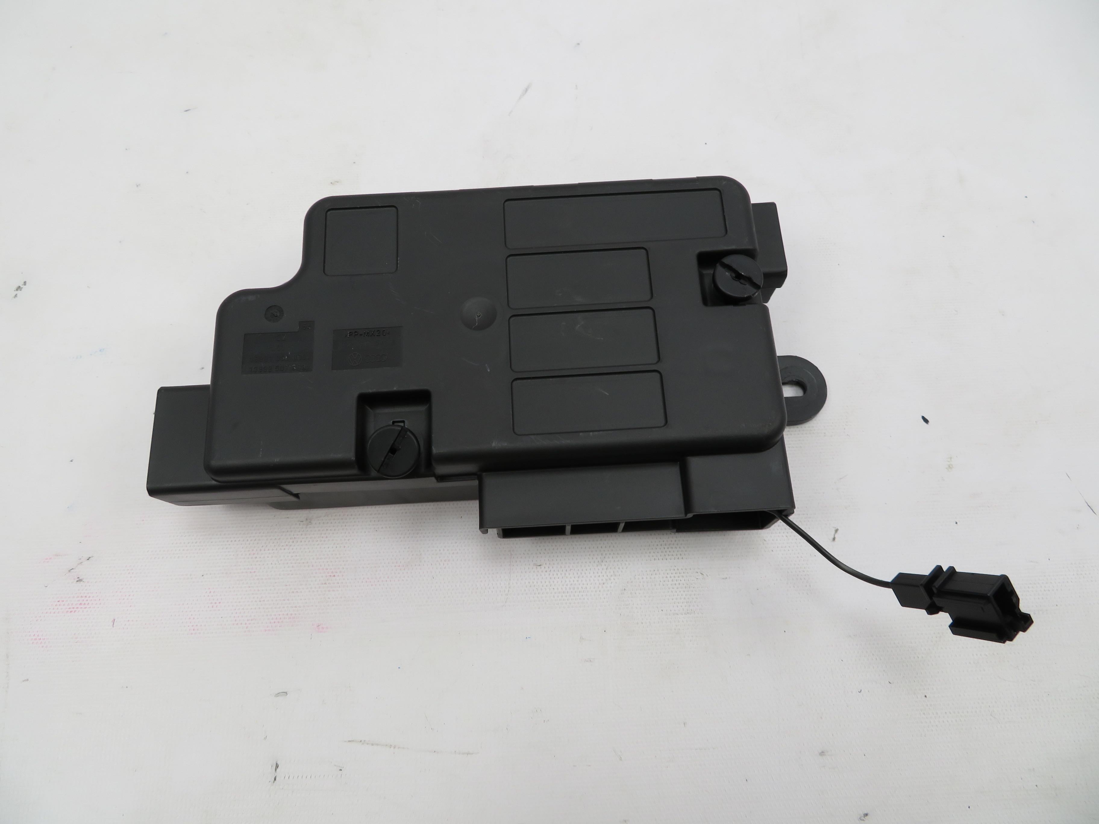 Audi R8 Fuse Box