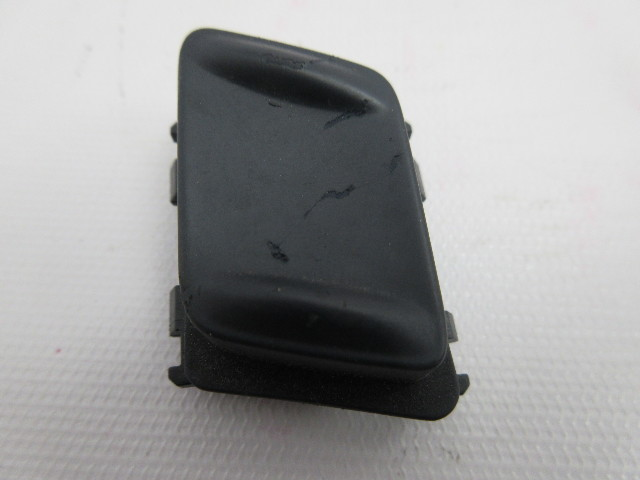 2007-2009 Audi A4 B7 Cabriolet #1052 Left Driver Front Seat Switch