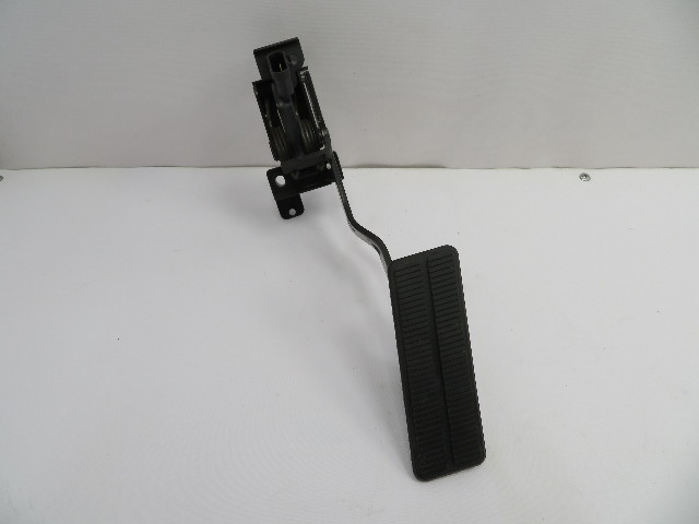 2004-2009 Cadillac XLR #1073 Gas Throttle Accelerator Pedal