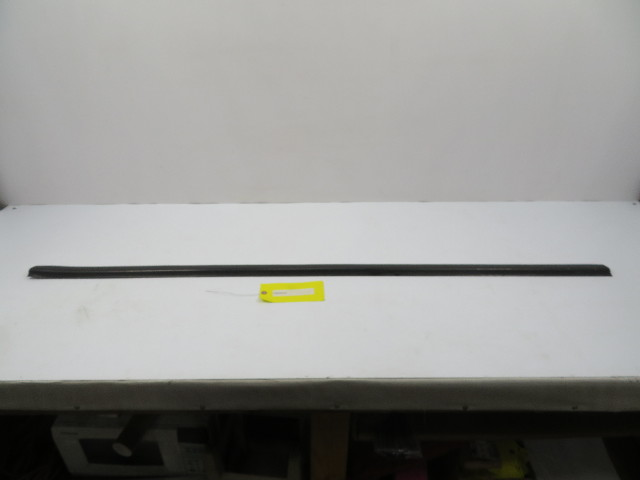 78-83 Porsche 911 SC Targa #1105 Side Skirt Rocker Panel Rubber Moulding LH or RH