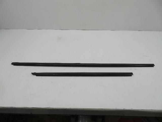 BMW 840ci 850i E31 #1107 Moulding, Exterior Window Scraper Seal Set, Right