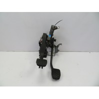 01 BMW Z3 Roadster E36 #1064 Brake & Clutch Pedal Box Pedals