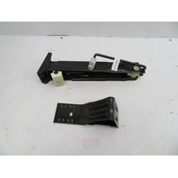98-03 BMW 540i E39 #1067 OEM Car Jack & Wheel Choke Stopper