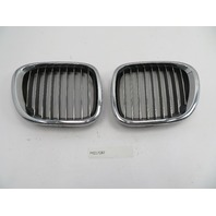 01 BMW Z3 Roadster E36 #1078 Left Right Hood Kidney Grill Pair OEM