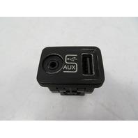 12 Fiat 500 #1116 AUX & USB Auxiliary Port Socket 1SJ82JXWAA