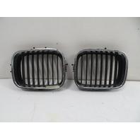 94 BMW E31 840ci E31 #1136 Bumper Kidney Grill Pair 51138124272 51138124271