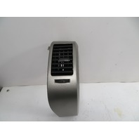 09 Toyota Prius #1147 AC vent, dash, right outer 55660-47020