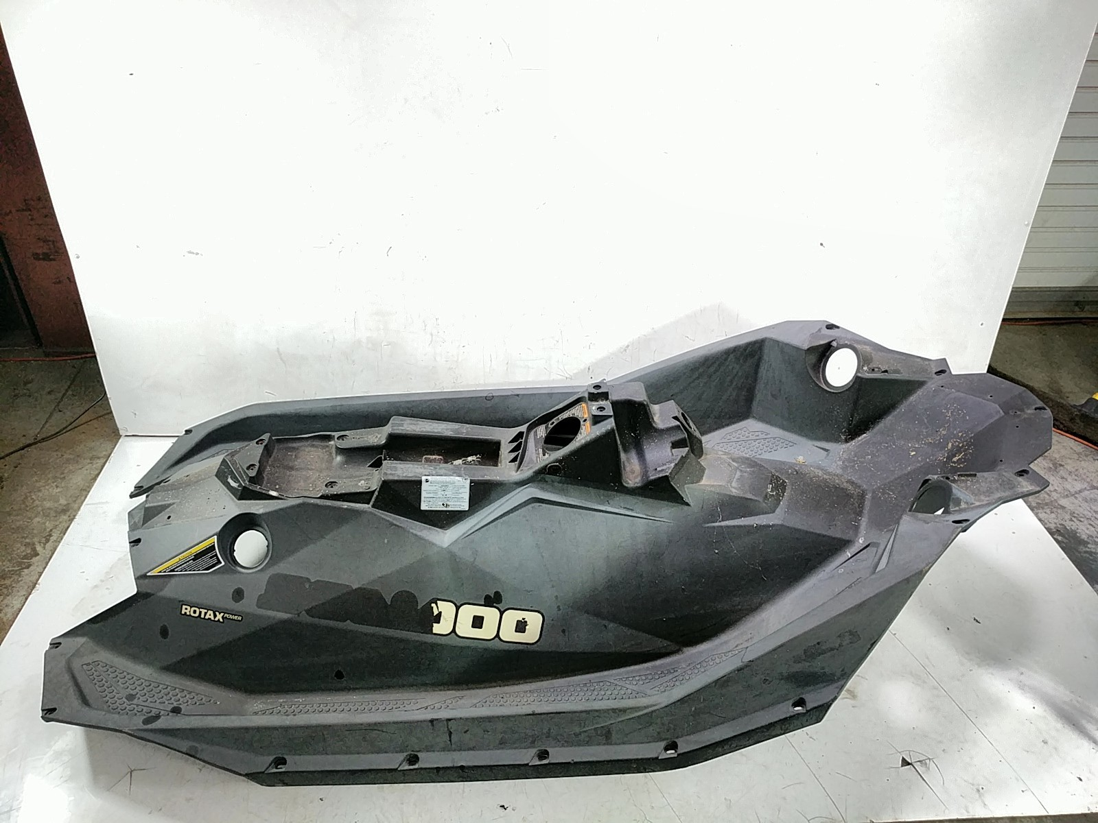Details about 16 Sea Doo Spark 3 Up Center Body Assembly 291003382