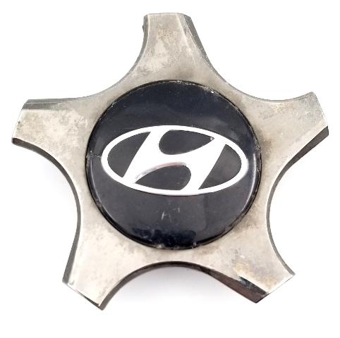 """Hyundai Veloster 2012-2017 OEM 18"""" Wheel Center Cap 52960-2V000"""