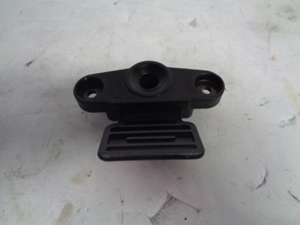 01-04 Yamaha GP1200R XLT waverunner jetski seat lock latch catch F0D-63850-01-00