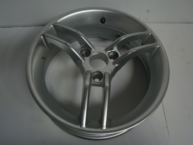 Can-Am Spyder Roadster 2010-2012 RS Silver Rim Assembly Part# 706201058