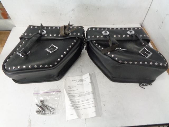Kawasaki Motorcycle Vulcan 1500 Classic Studded Leather Saddlebag Set # S422