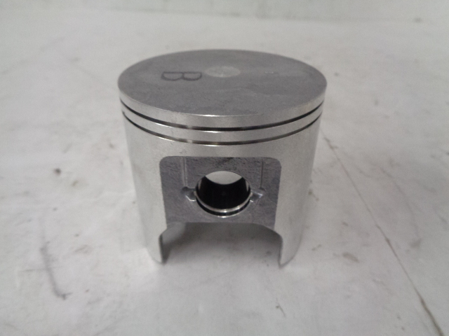 Kawasaki Jet Ski 1992 750SX NEW OEM Standard Piston Part# 13001-3707