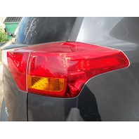 Tail light lamp Passenger 81550-0R030 Toyota RAV4 2015 2014